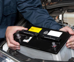 replacing-car-battery